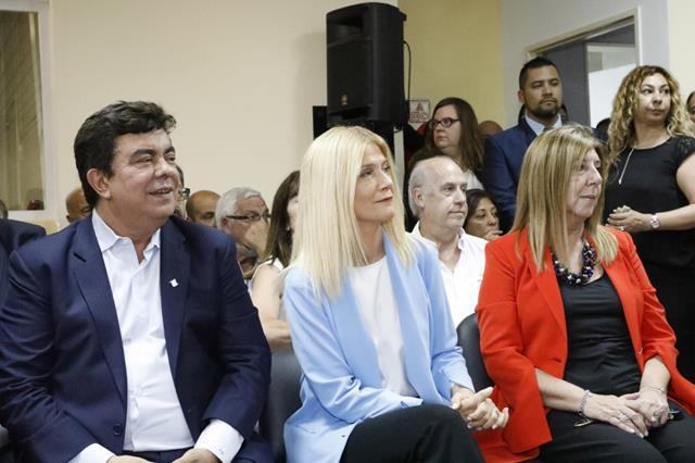 20191208220209_magario_espinoza_y_yambrun_en_la_asuncion_de_concejales