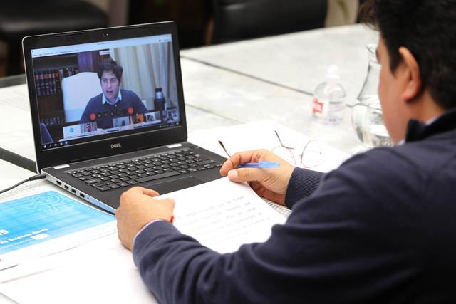 200-FE.Videollamada con el gobernador 1